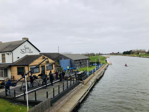 Boatrace-Cracknell Tali Iserles