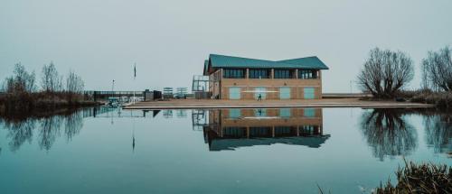 boathouse SamCoghlan